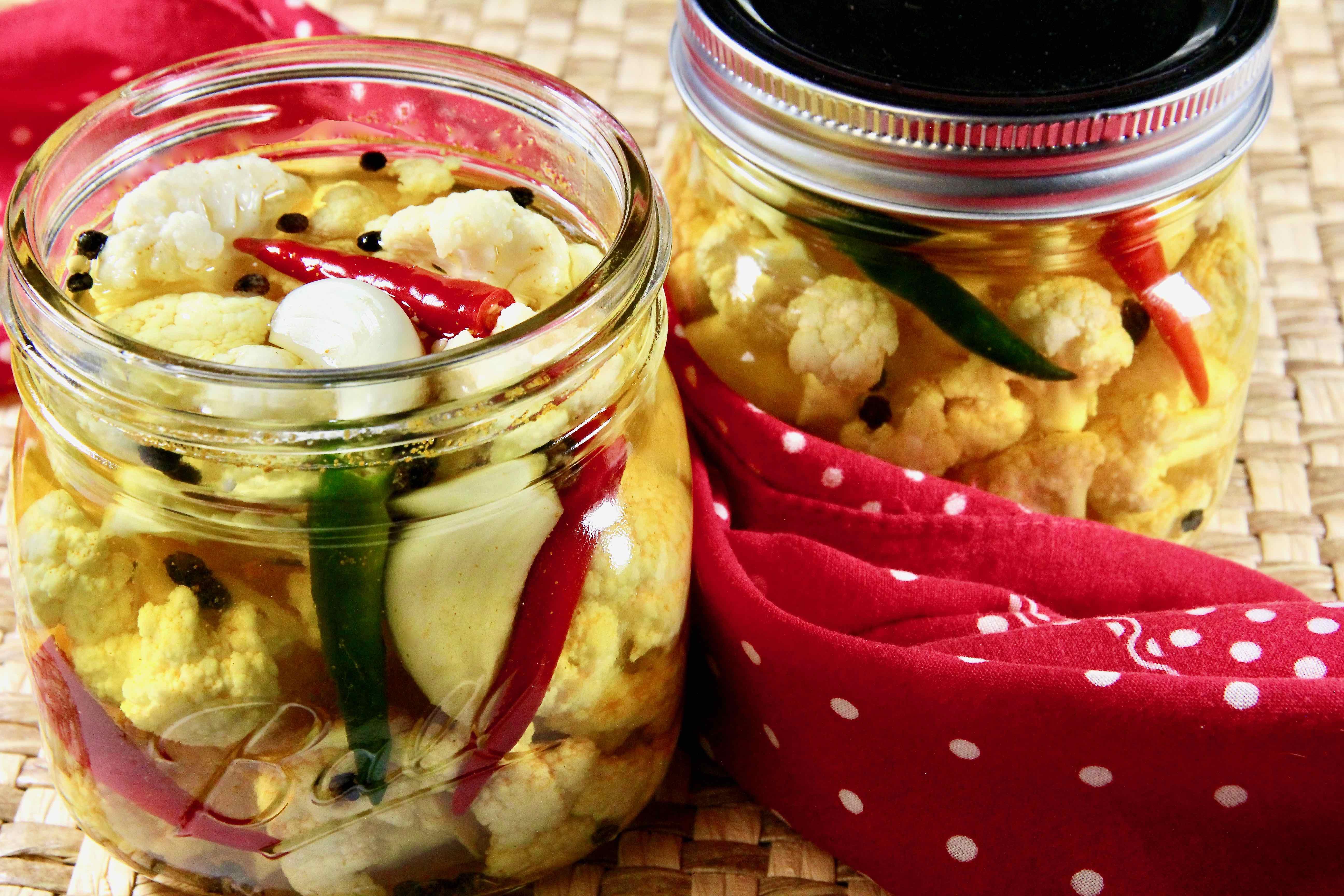 Spicy Pickled Cauliflower