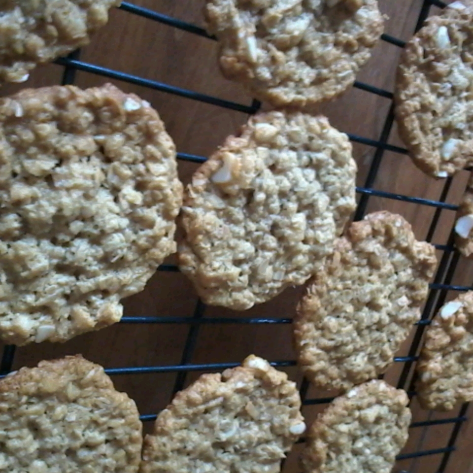 Anzac Biscuits with Macadamia Nuts Pamela Roza