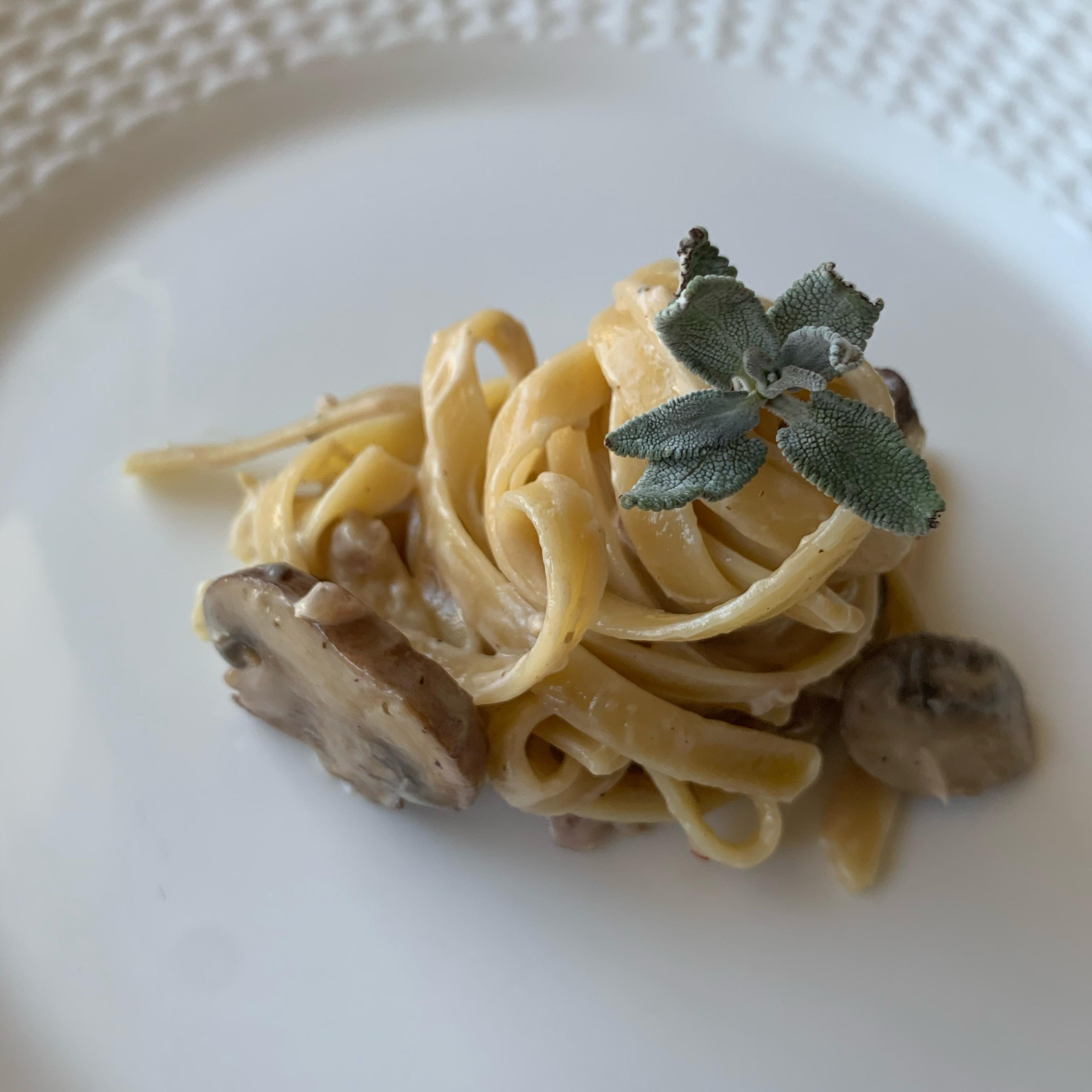 Fettuccine in Creamy Mushroom and Sage Sauce Rachel Ulansey
