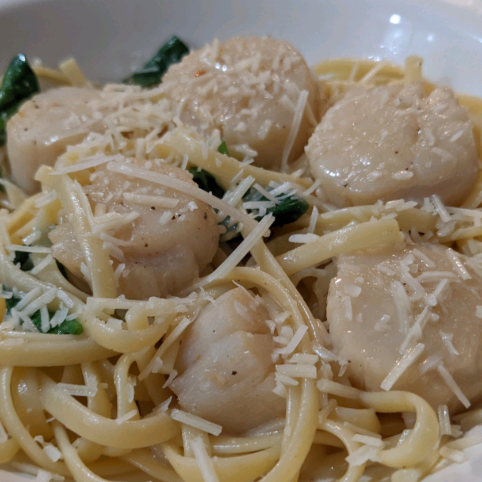 Creamy Bay Scallop Spaghetti