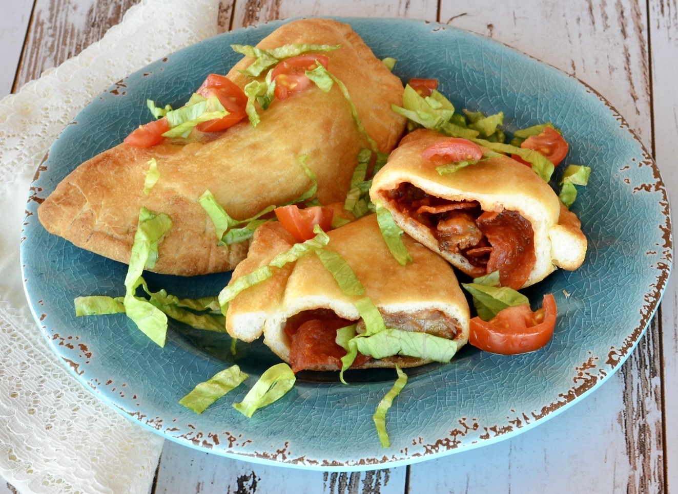 Air Fryer Mini Pizza Calzones