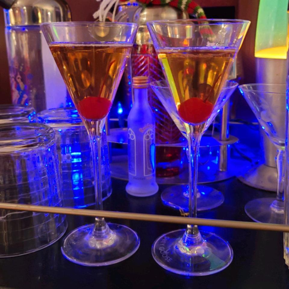 Nectar of the Gods - A Champagne Beverage Lynn Elliott