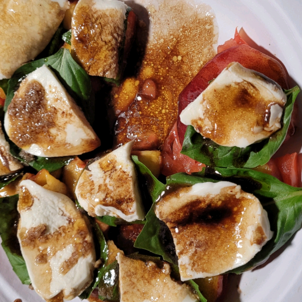 Peach and Tomato Caprese Salad Gigi Stephansen
