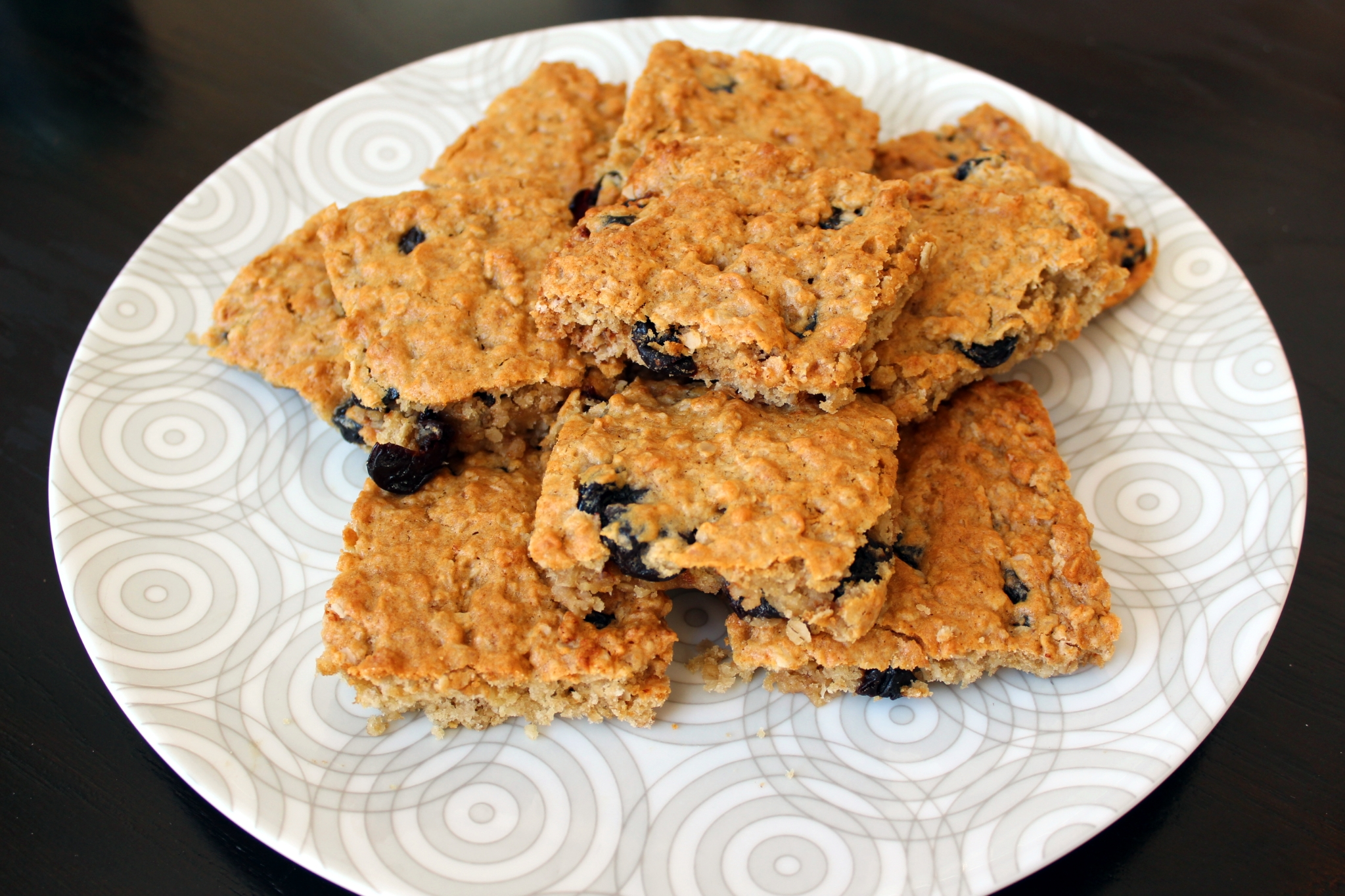 Vegan Oatmeal Cookie Bars