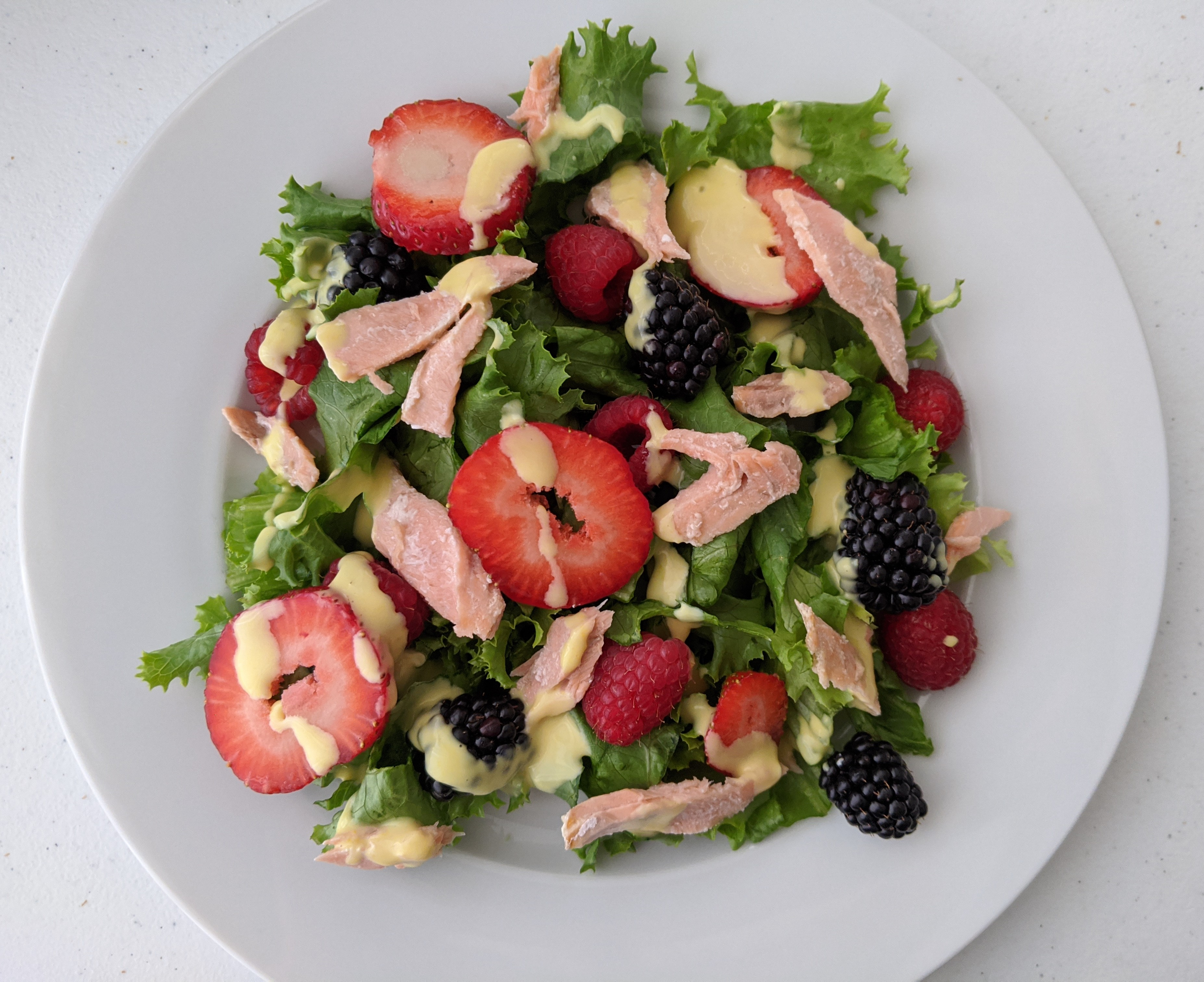 Summer Berry Salad with Salmon Kris