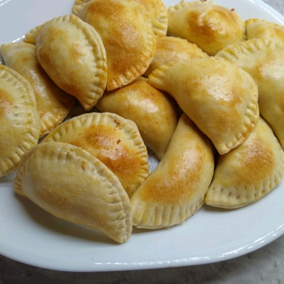 Empanadas de Pollo (Easy Chicken Empanadas) bstocksd@sbcglobal.net