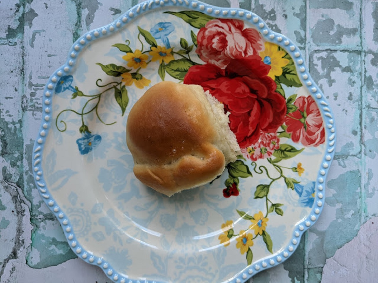 Amish Butter and Egg Dinner Rolls