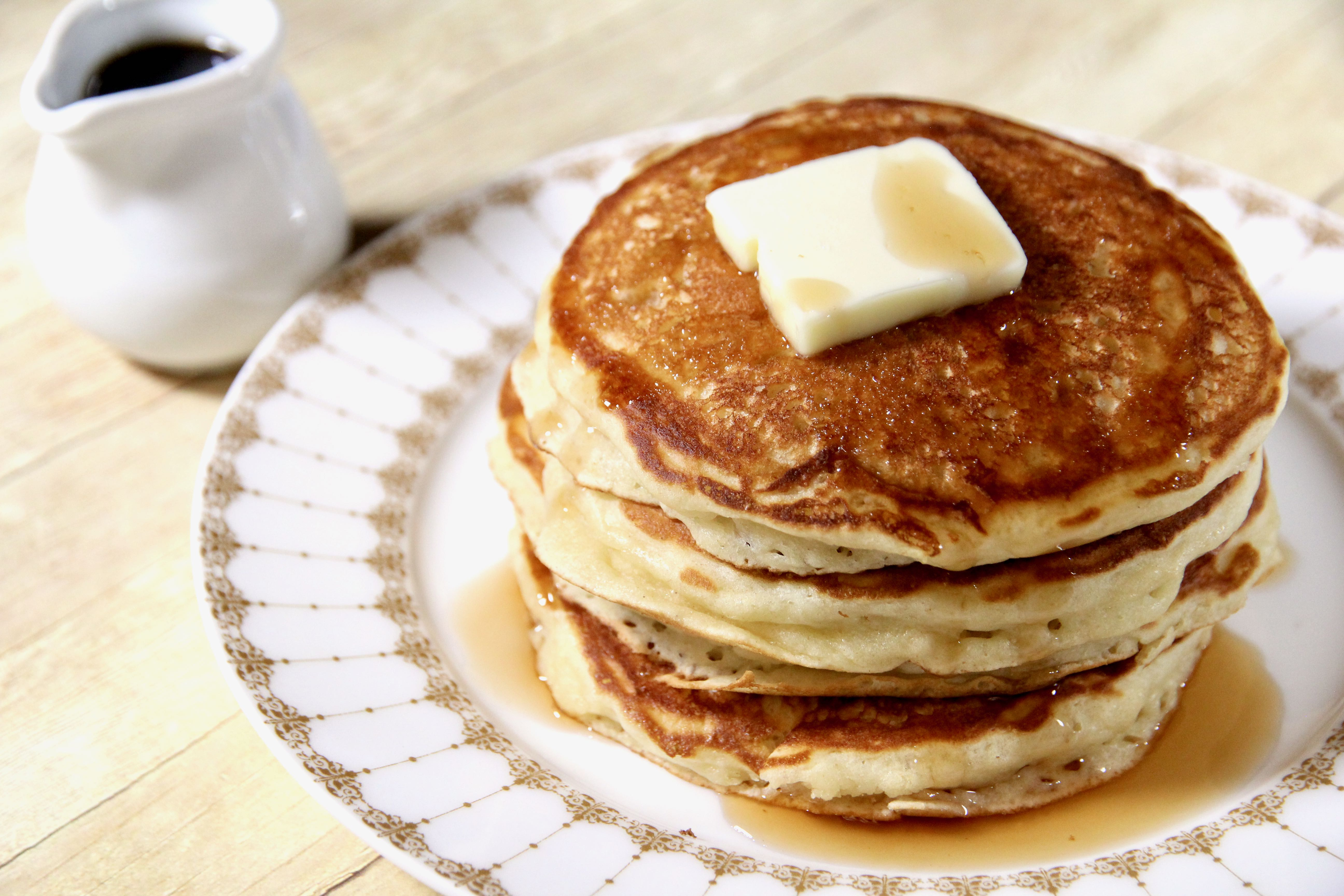 Fluffy Maple Buttermilk Pancakes
