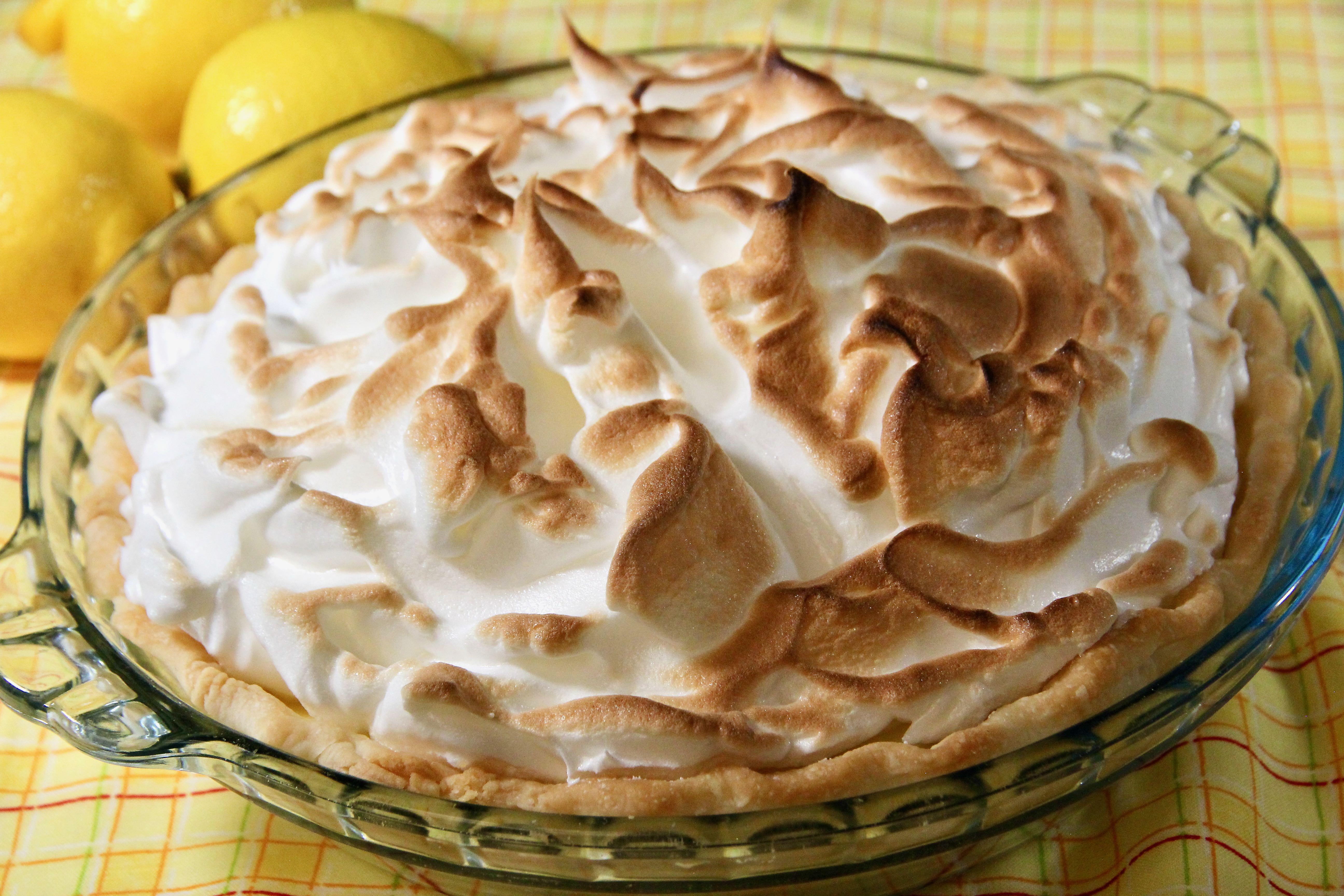 Classic Lemon Pie lutzflcat