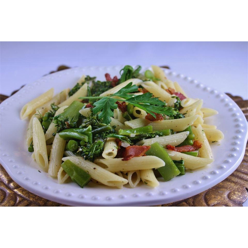 Penne with Garlicky Broccolini