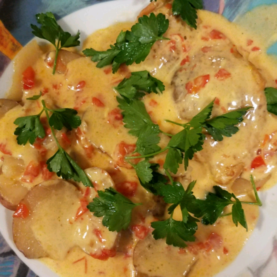 Slow-Cooker Cheesy Chicken & Potatoes June