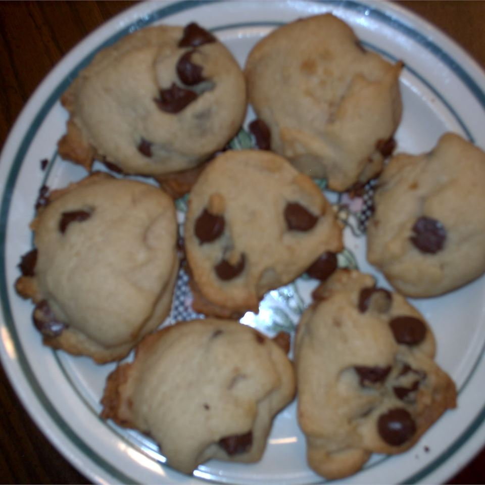 Soft Chocolate Chip Cookies I Larry