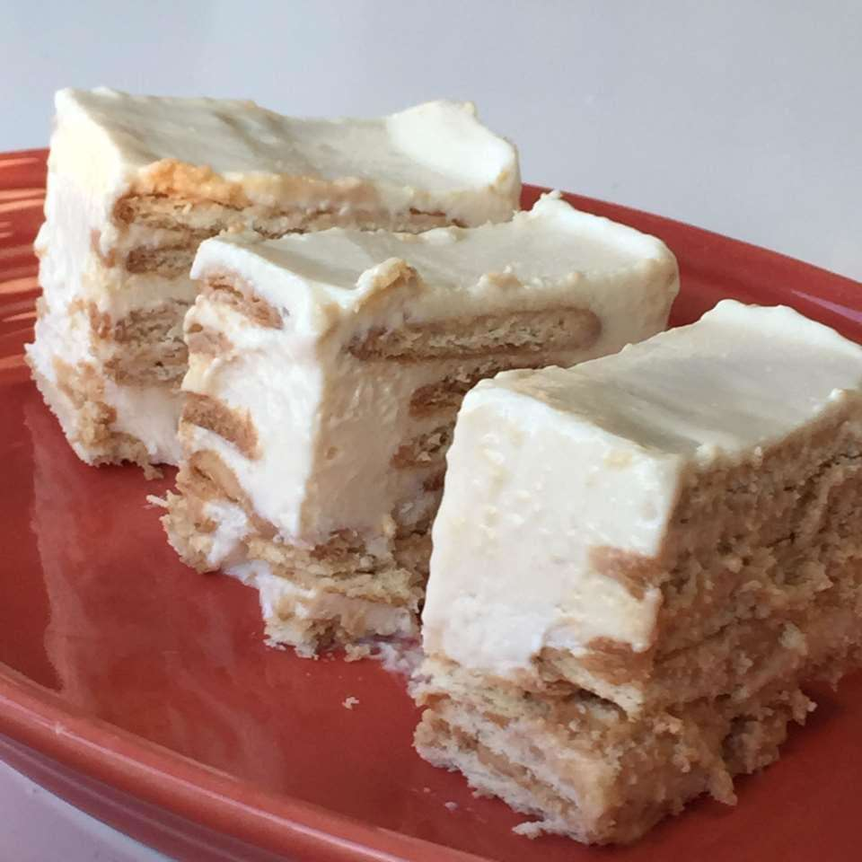 Carlota de Limon (Mexican Lemon Icebox Cake)