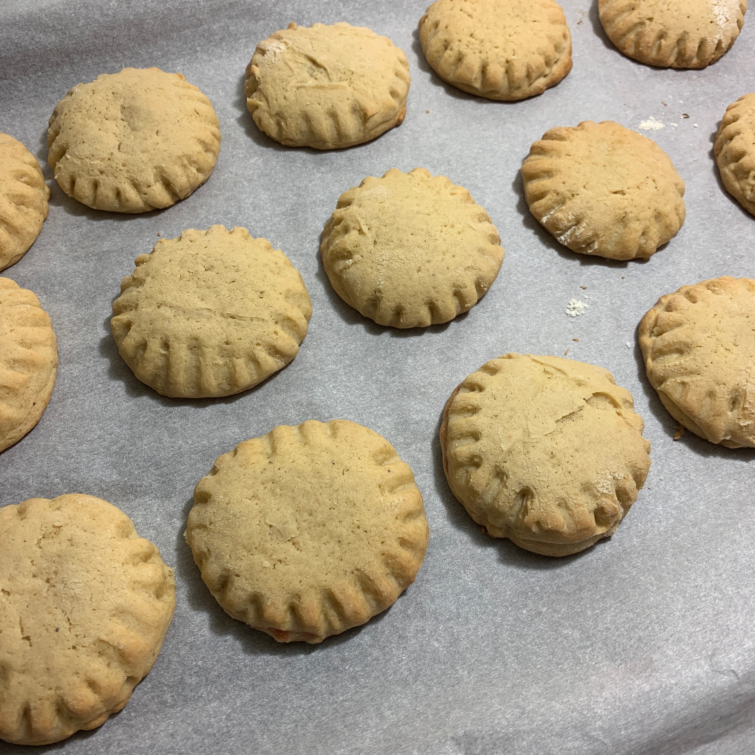 Granny's Strawberry Preserves-Filled Cookies HCapulet