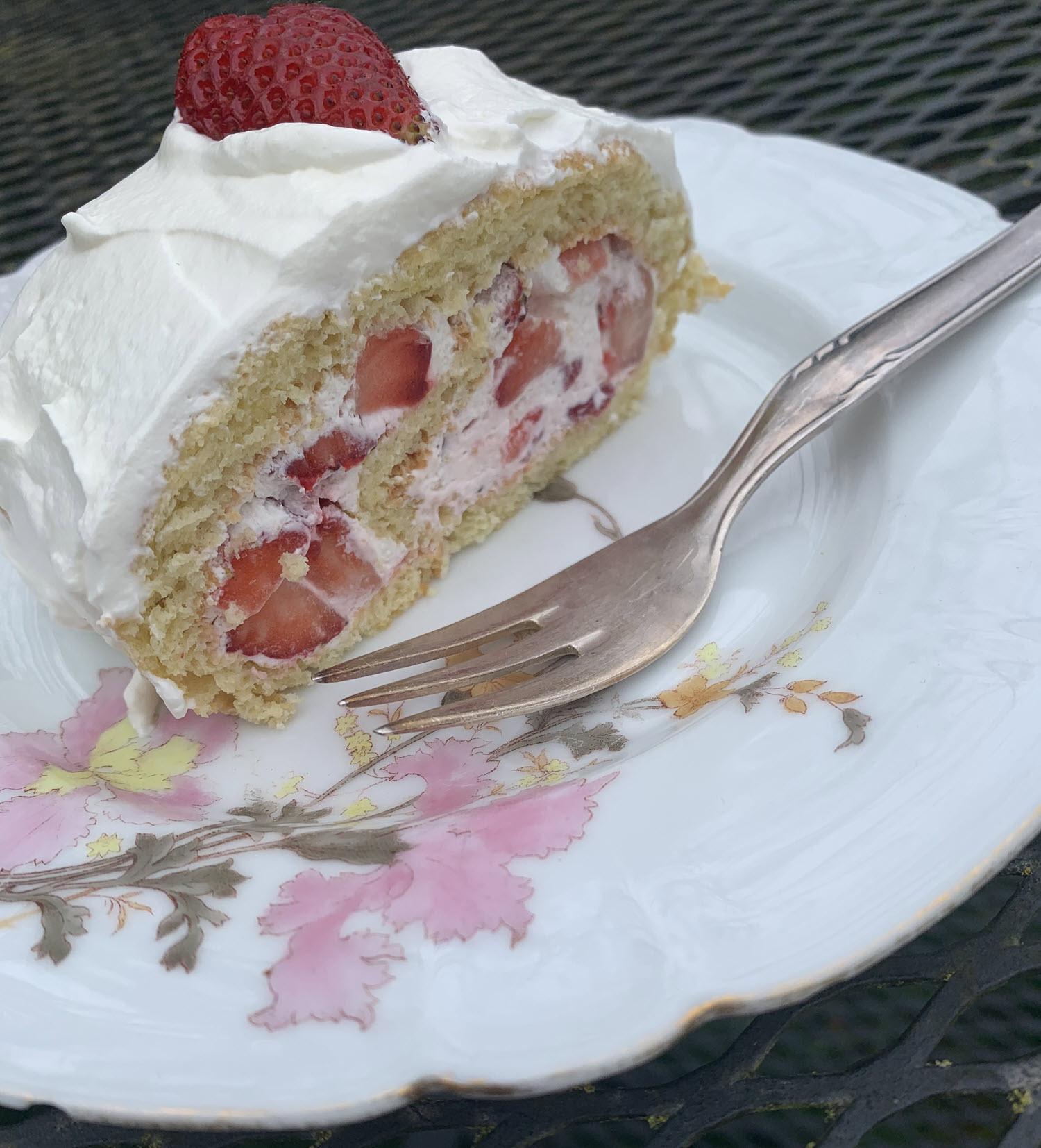 German Strawberry Roll