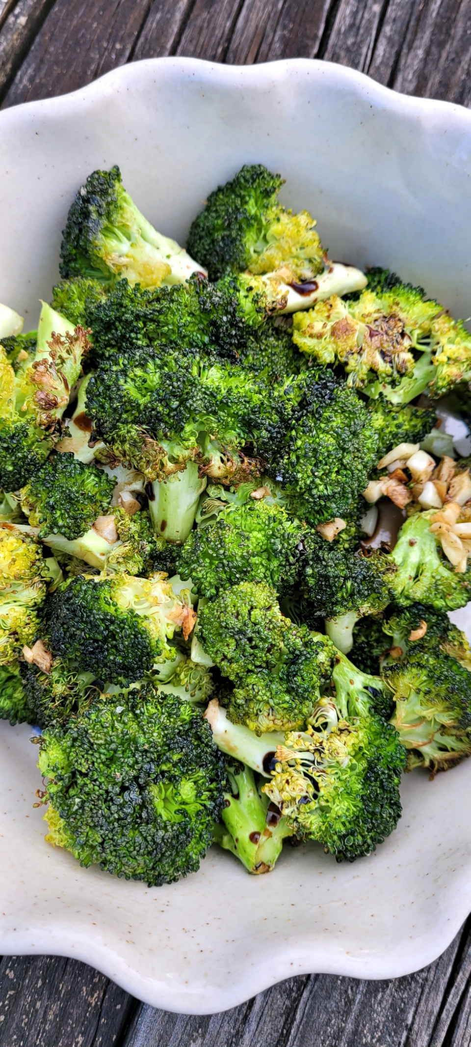 Roasted Broccoli with Garlic and Balsamic Vinegar