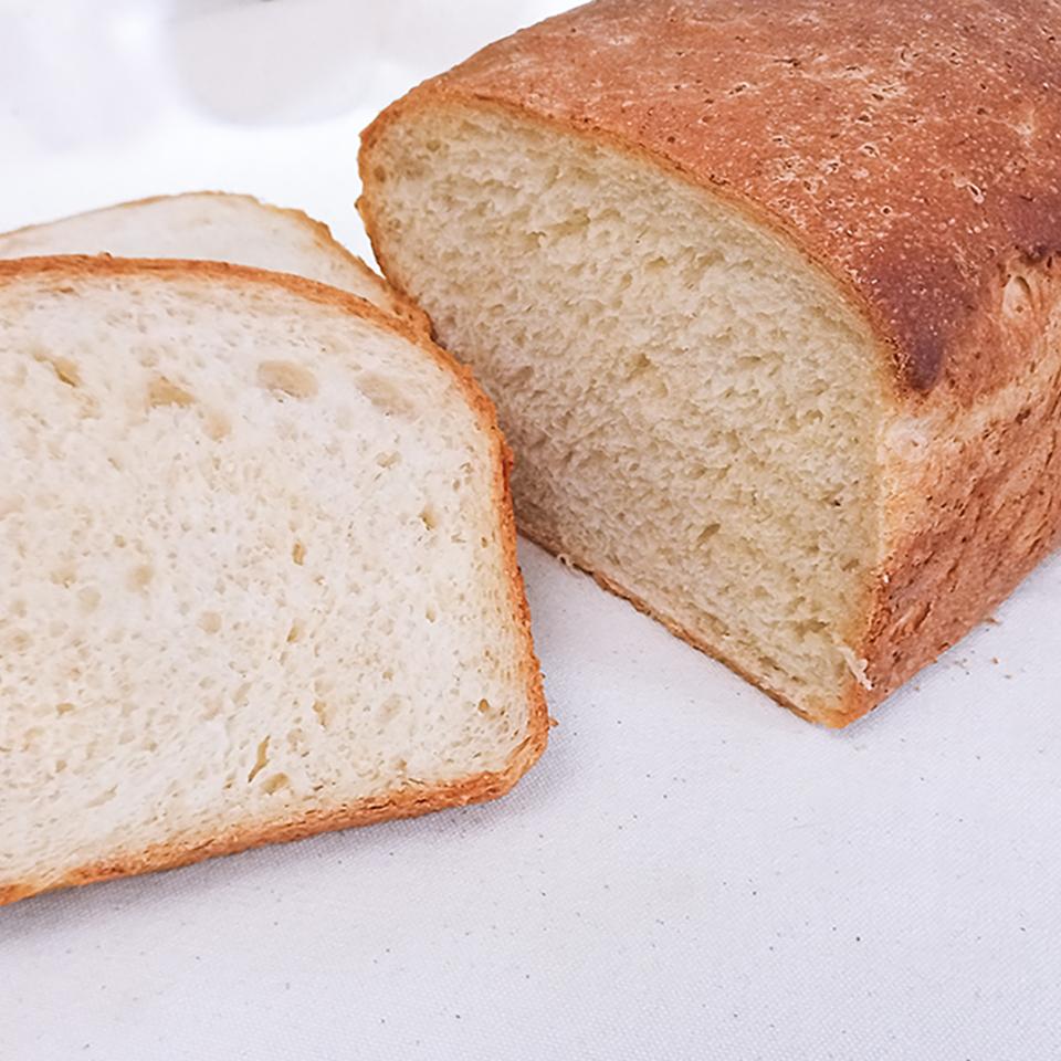 Old-Fashioned Porridge and Molasses Bread