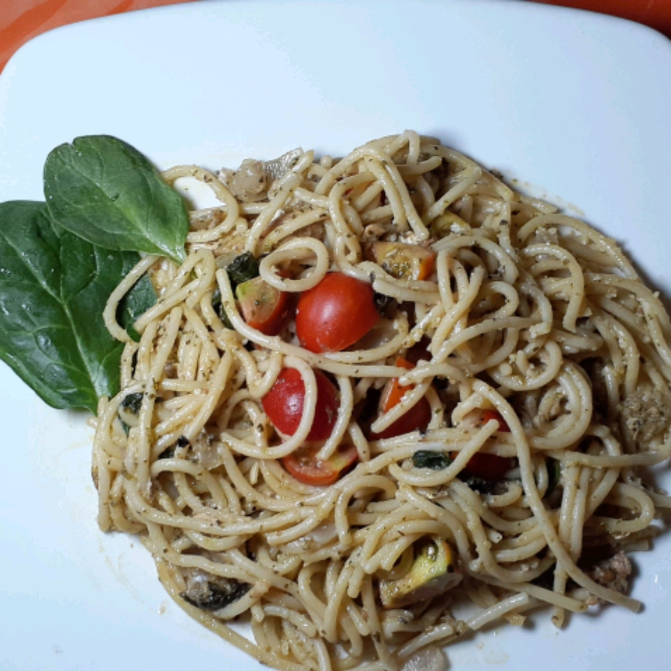 Chicken Pesto with Fettuccine and Spinach Olive Sterling-Johnson
