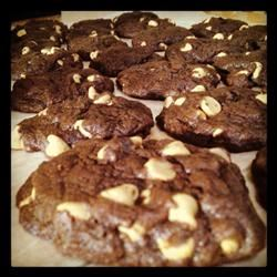 Peanut Butter Chip Chocolate Cookies dmccra90