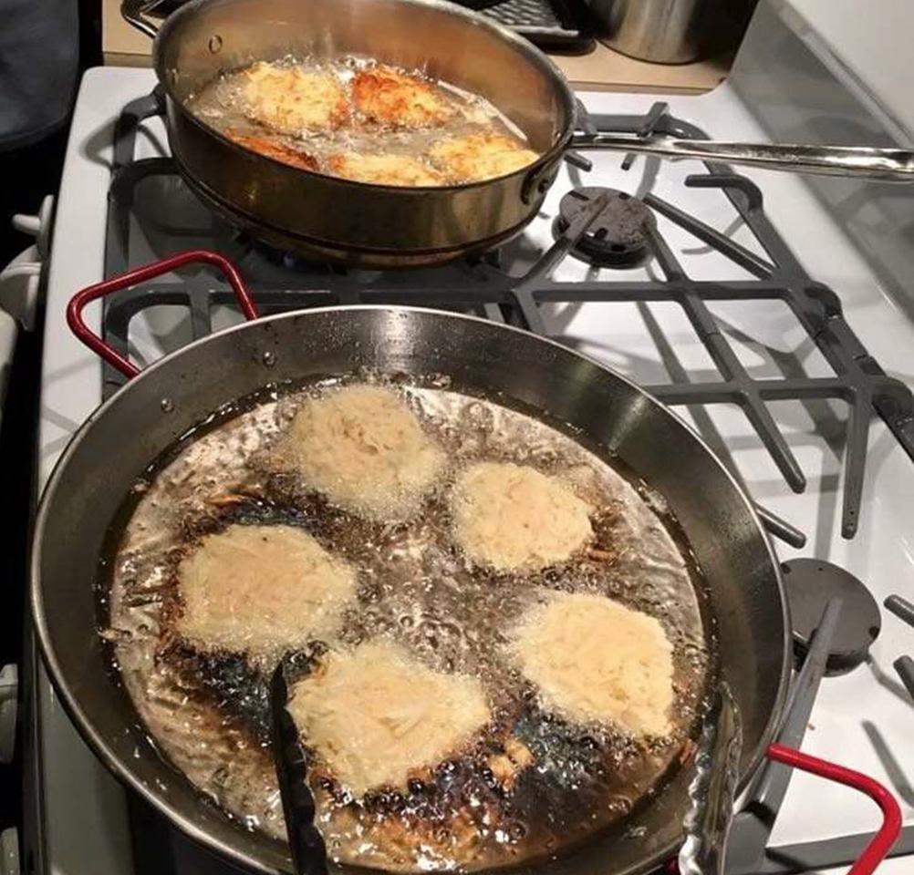 Reibekuchen (German Potato Pancakes)