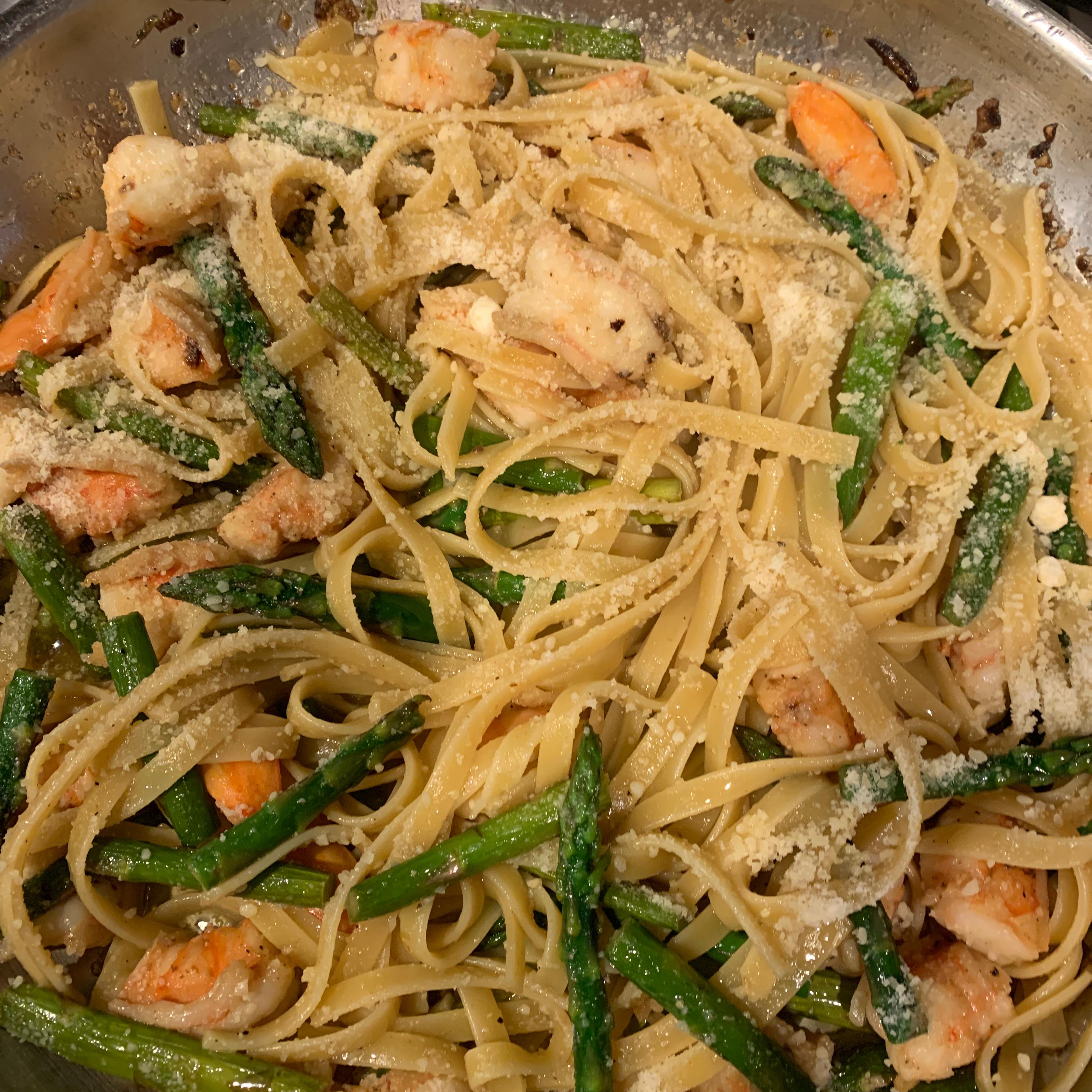 Shrimp and Asparagus Fettuccine needtobeinit@live.com