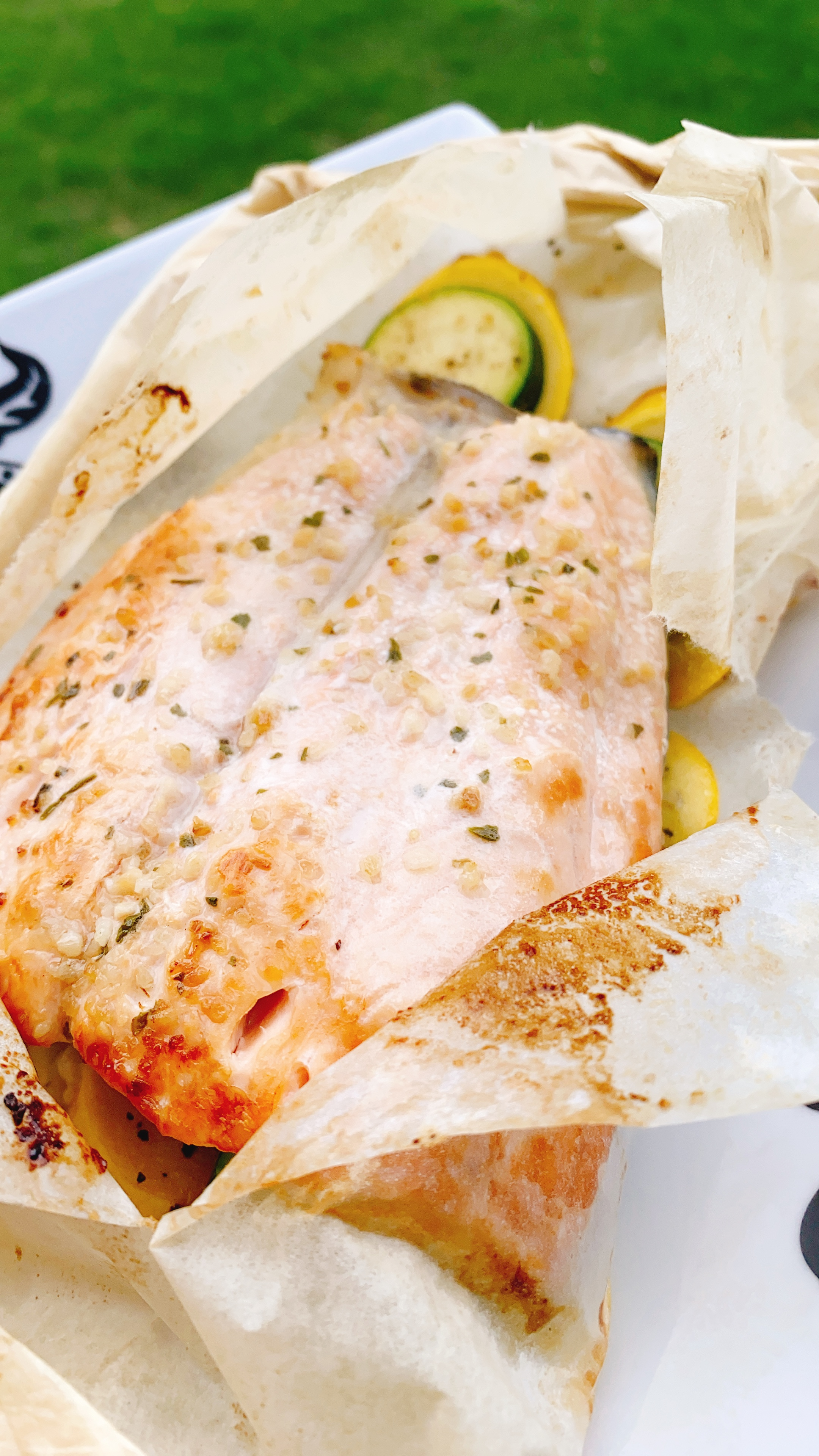 Salmon with Skin en Papillote in the Air Fryer