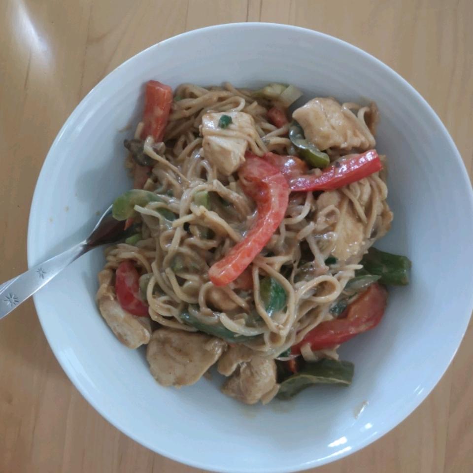 Thai Peanut Chicken Lo Mein