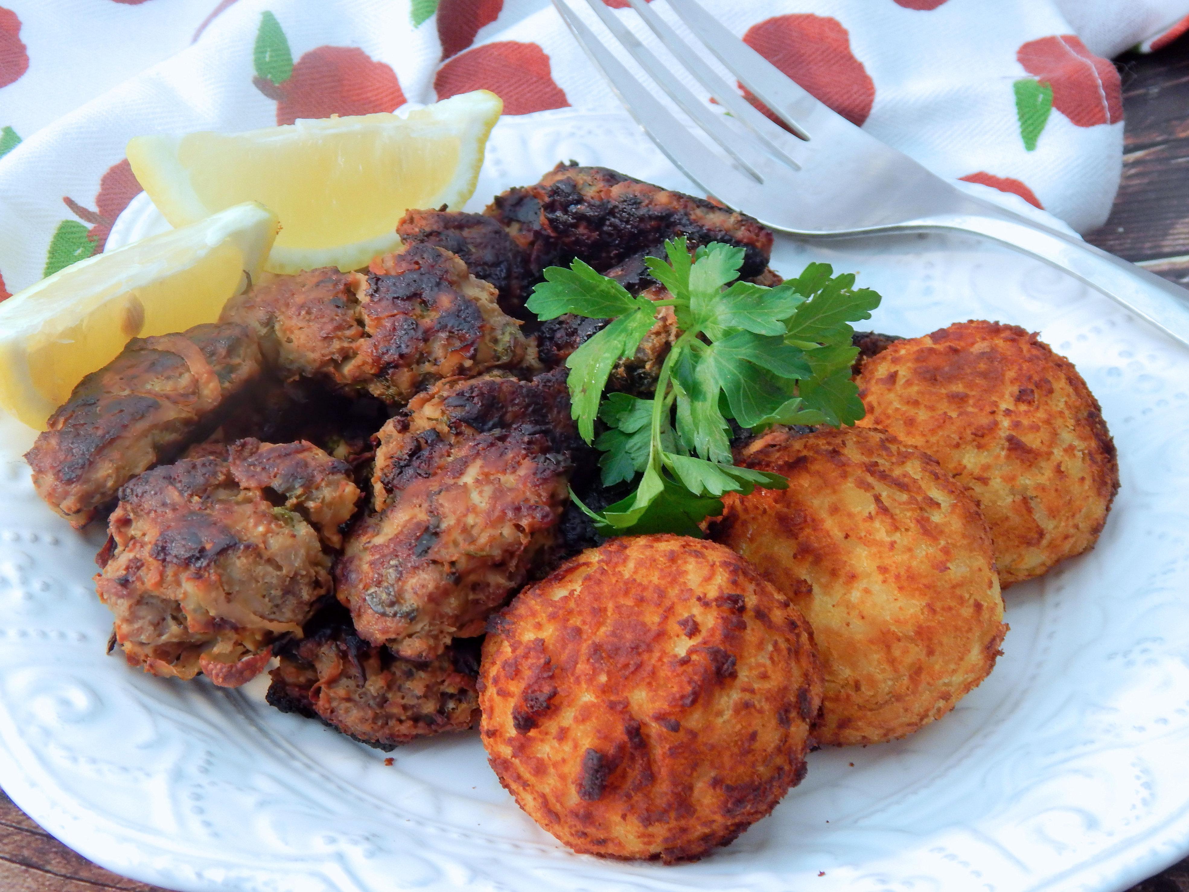Keftedes - Greek Meatballs Linda T