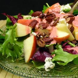 Green Salad with Cranberry Vinaigrette *Sherri*