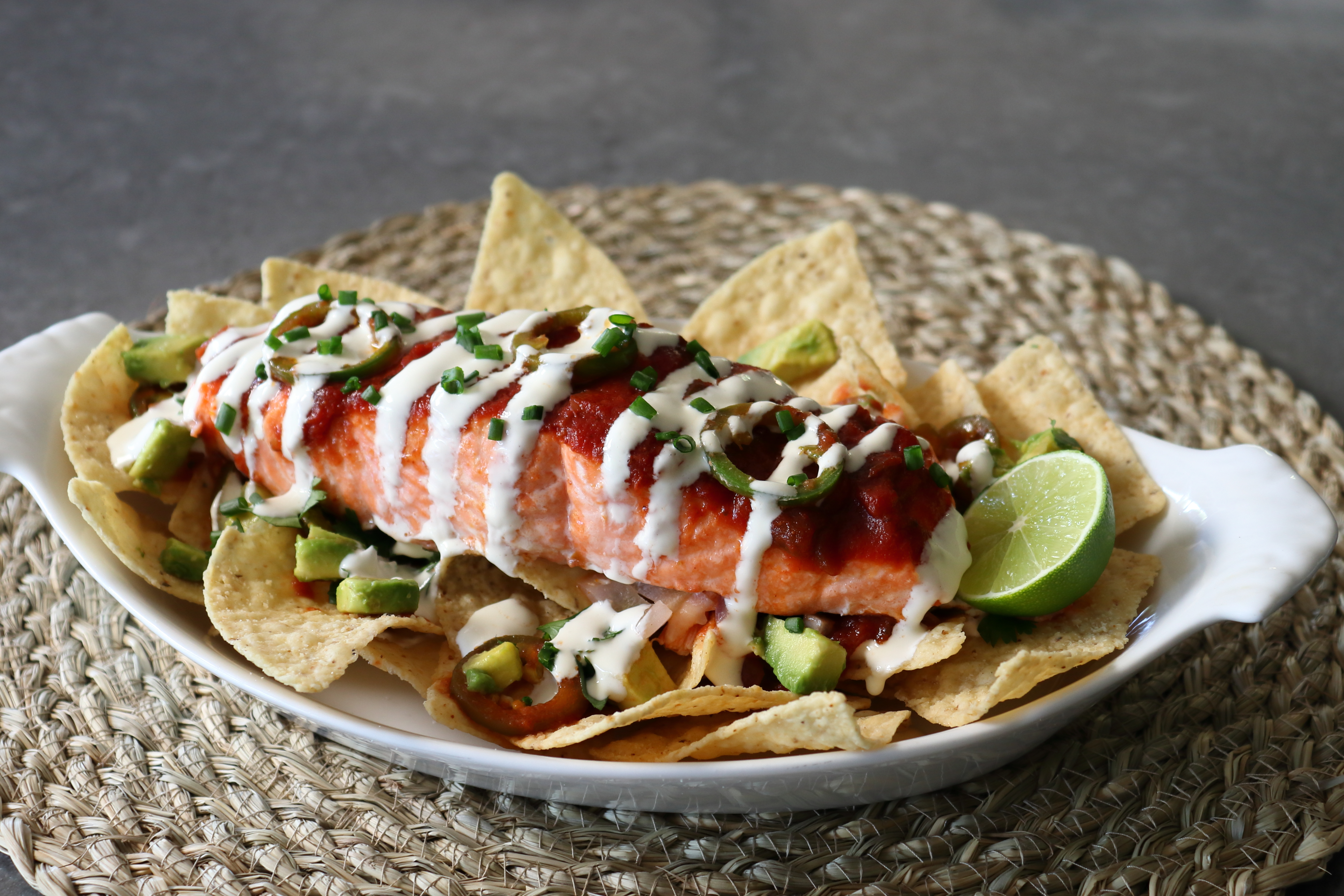 Salsa-Baked Salmon Nachos