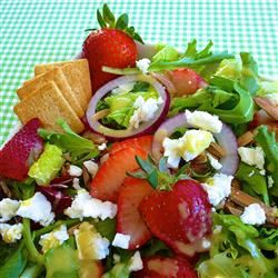 Emily's Strawberry Balsamic Salad lutzflcat