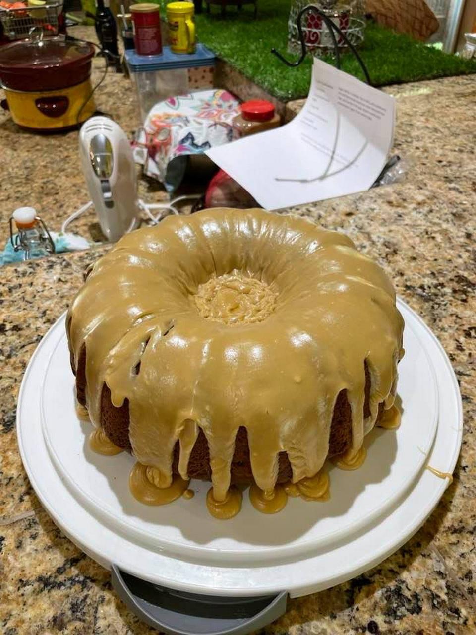 Mother's Applesauce Cake
