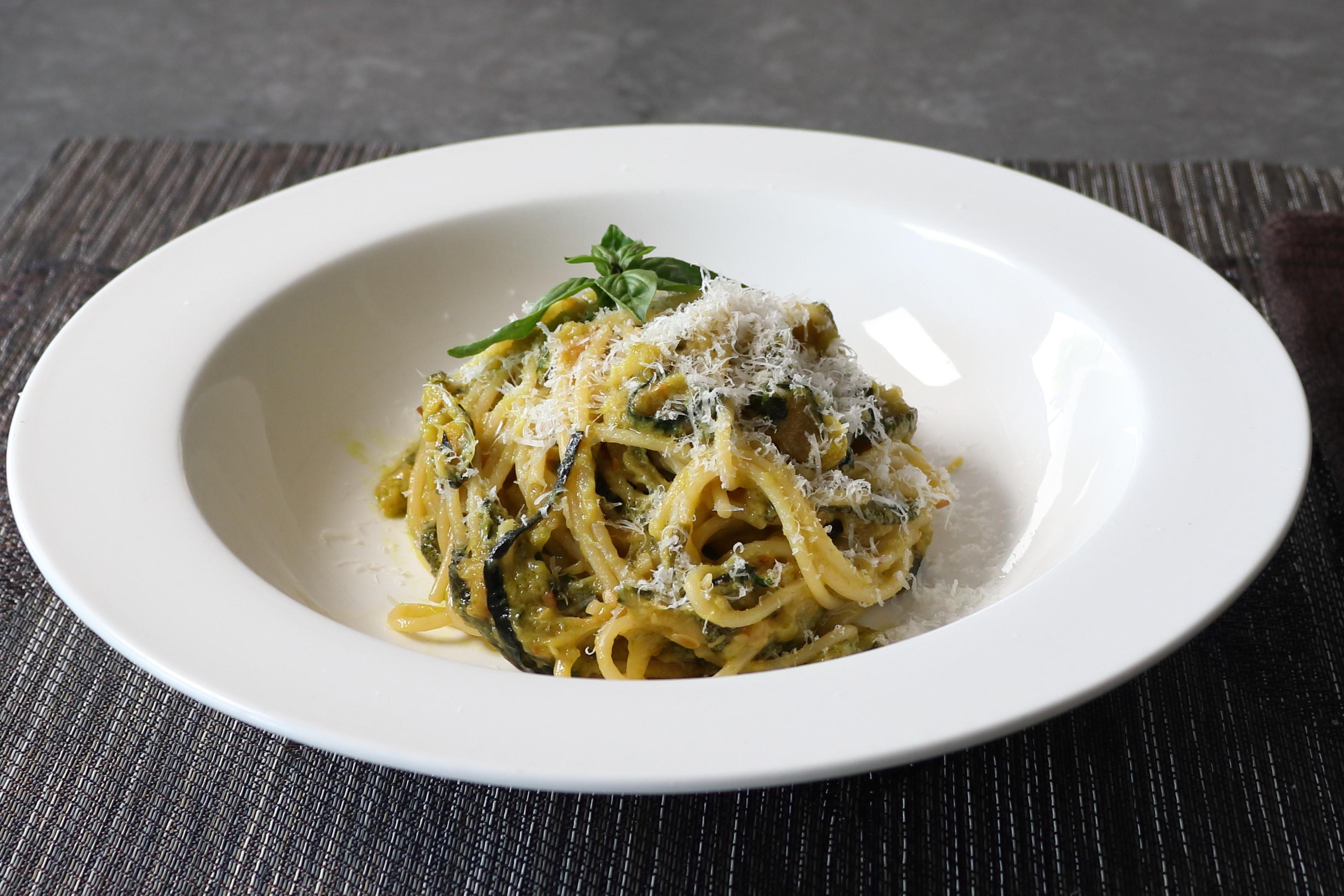That Zucchini Spaghetti Stanley Tucci Loves (Spaghetti alla Nerano)
