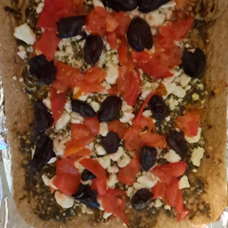 Mediterranean Pesto Pizza tczmum