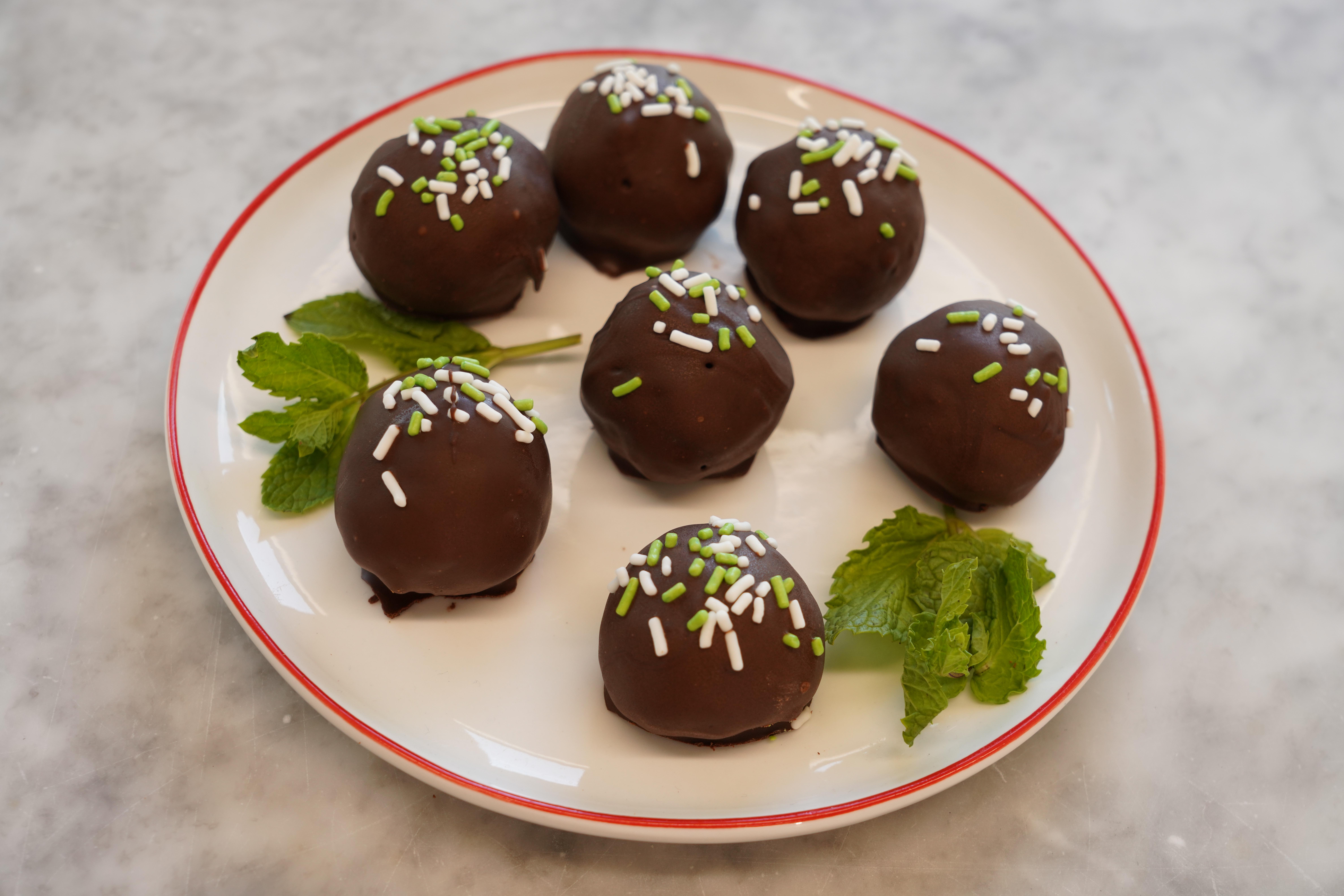 Easy Mint Chocolate Truffles