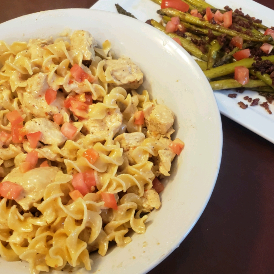 Spicy and Creamy Chicken Pasta Kristin Odom