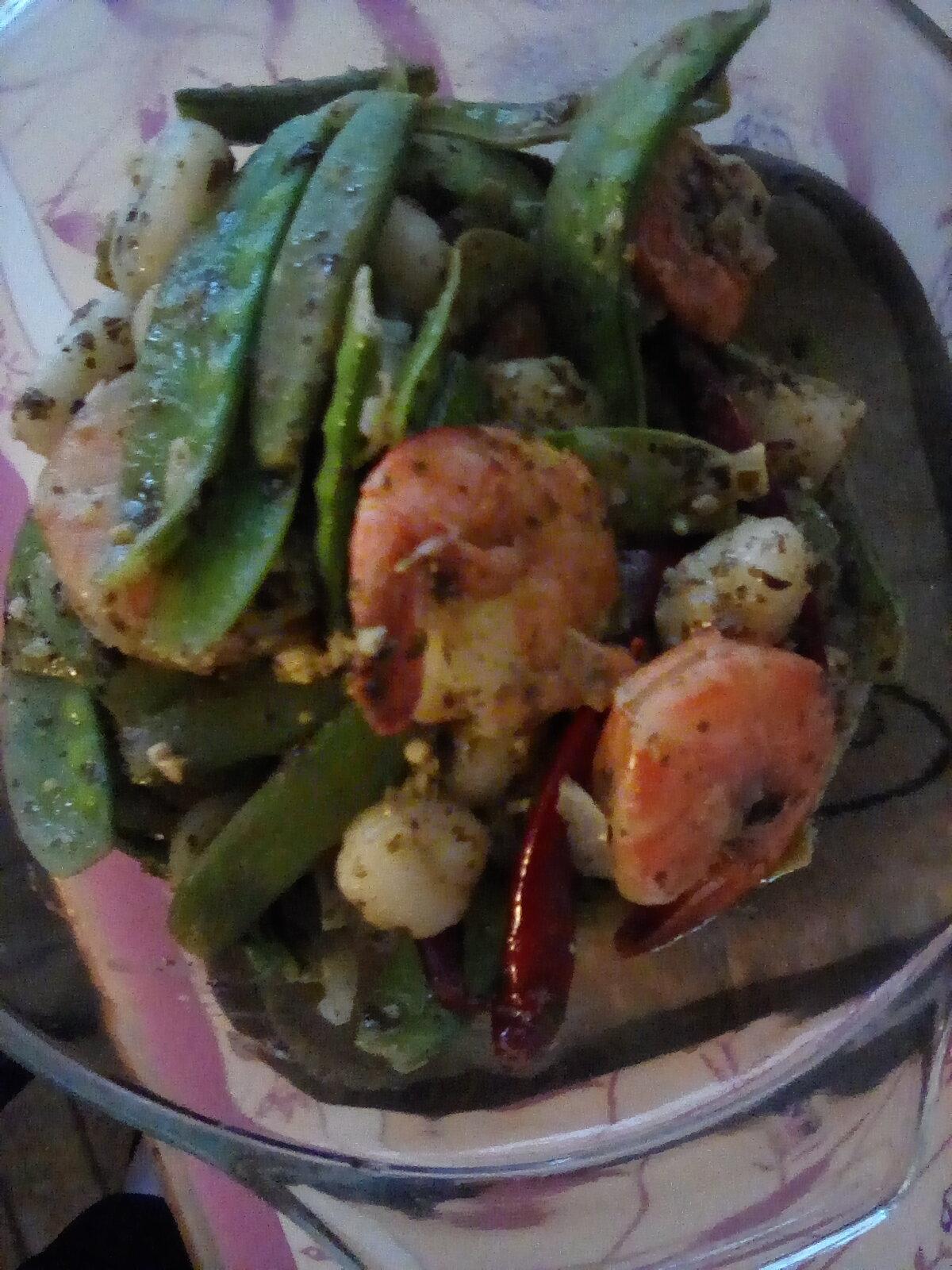 Gnocchi with Pesto and Shrimp DDee999