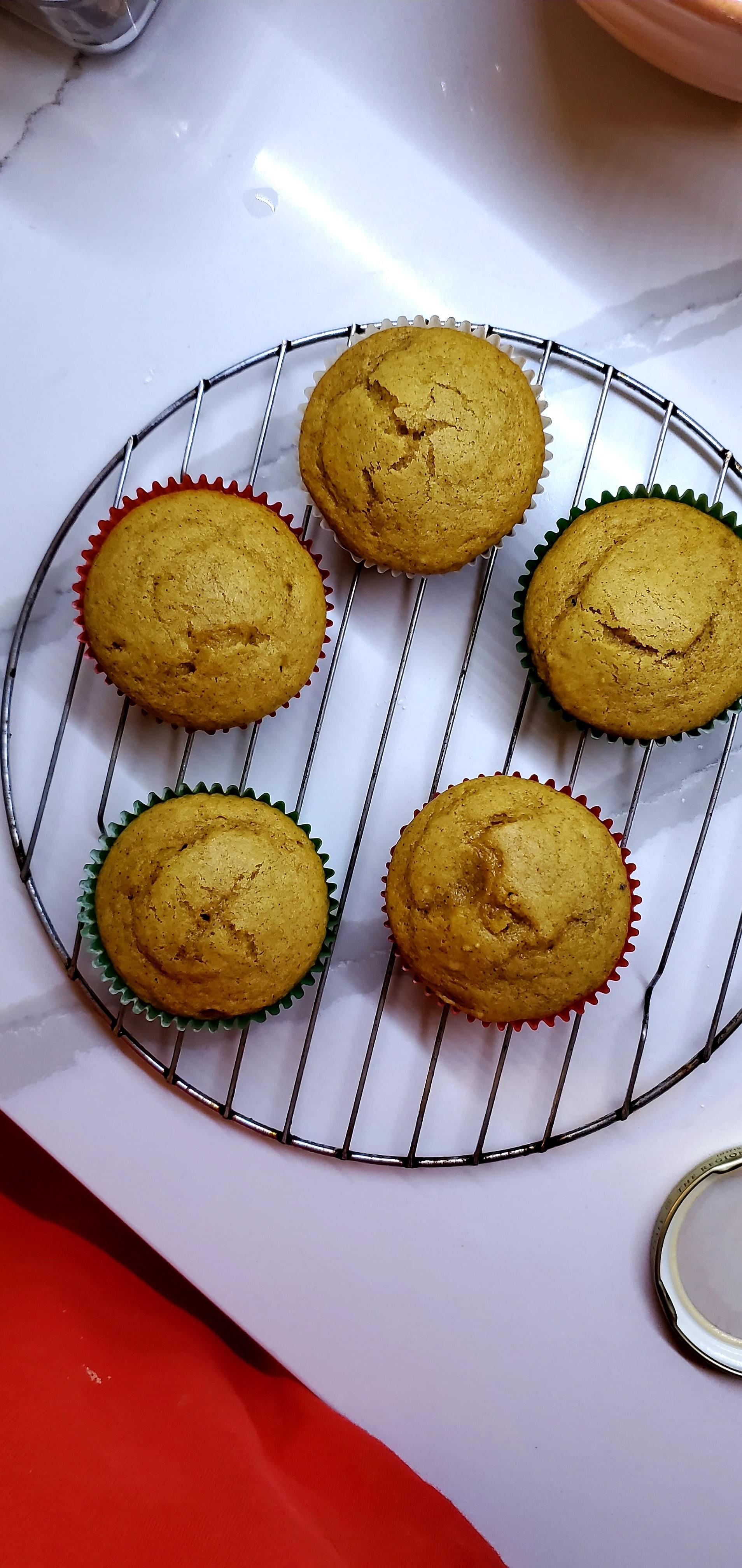Pumpkin Spice Cupcakes angie Villarreal