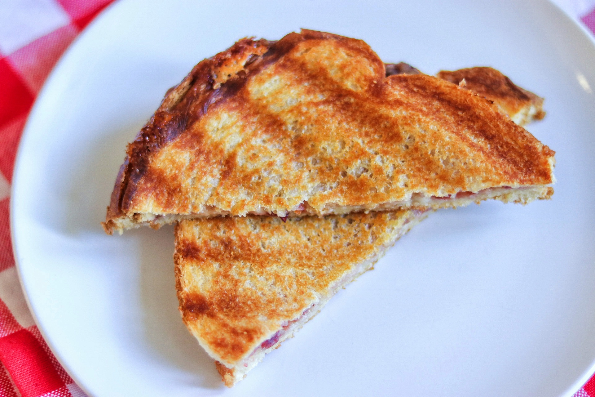 Grilled Camembert Sandwich