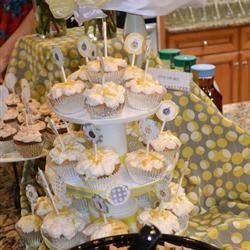 Lemon Cream Cupcakes rochellegeryol