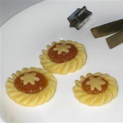 Pineapple Tarts levisjean