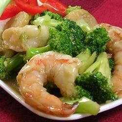 Shrimp with Broccoli in Garlic Sauce AkronJoya