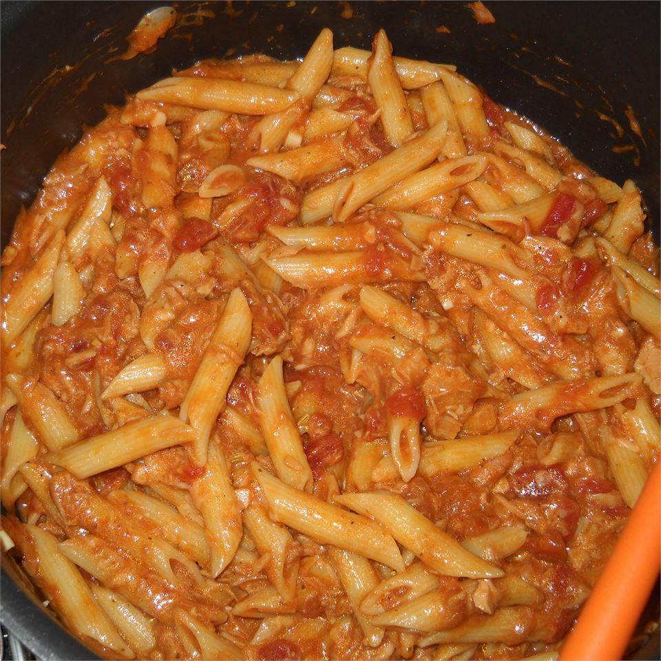 Creamy Tomato Tuna Penne Pasta Puck