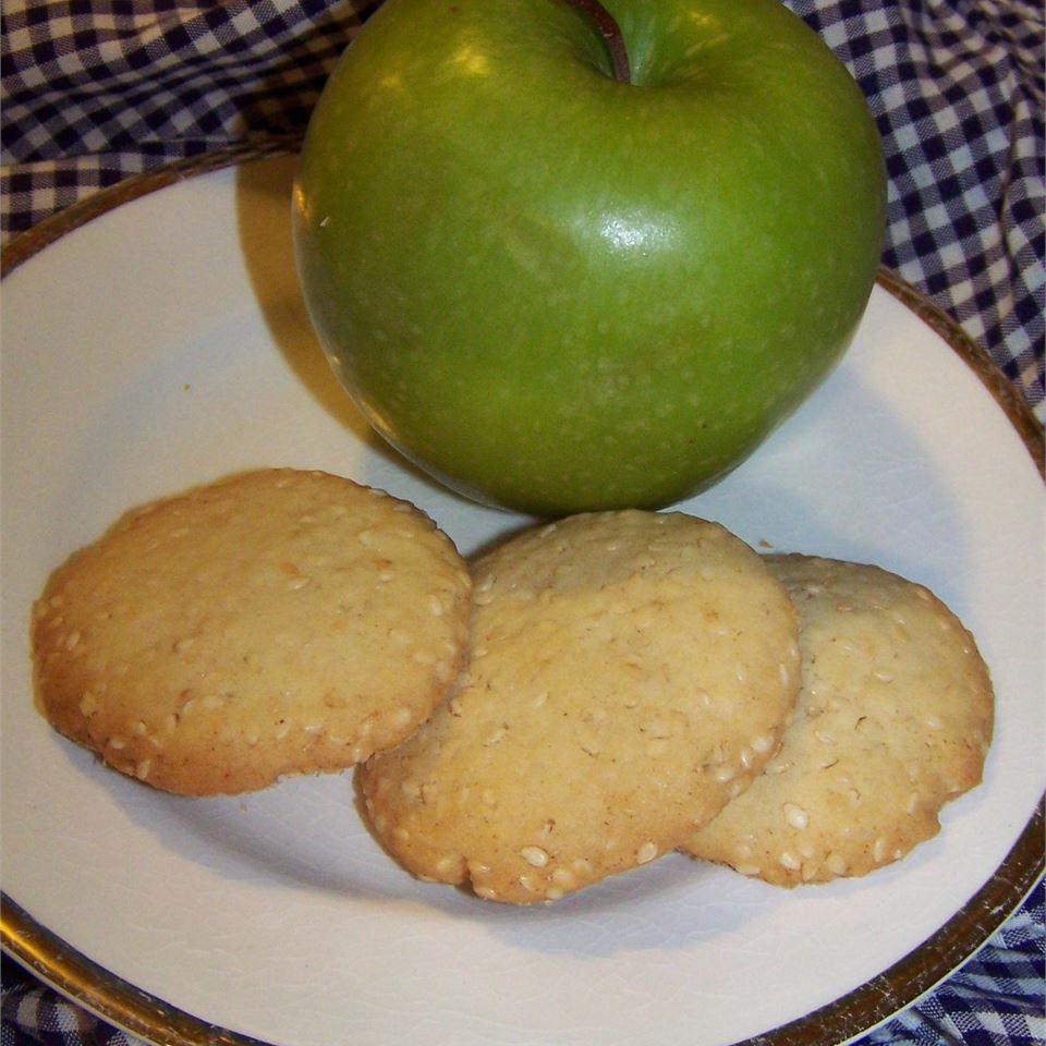 Golden Sesame Cookies toomanycooks