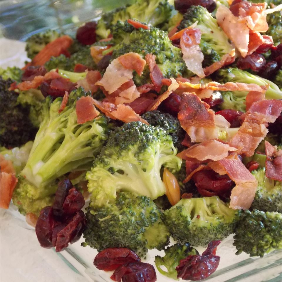 Deli-Style Fresh Broccoli Salad