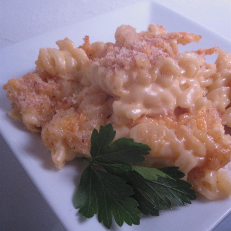 Easy Baked Mac-N-Cheese Melissa Conger