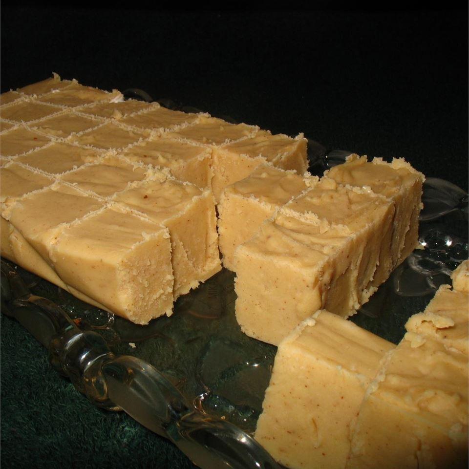 Creamy Eggnog Fudge Lyle