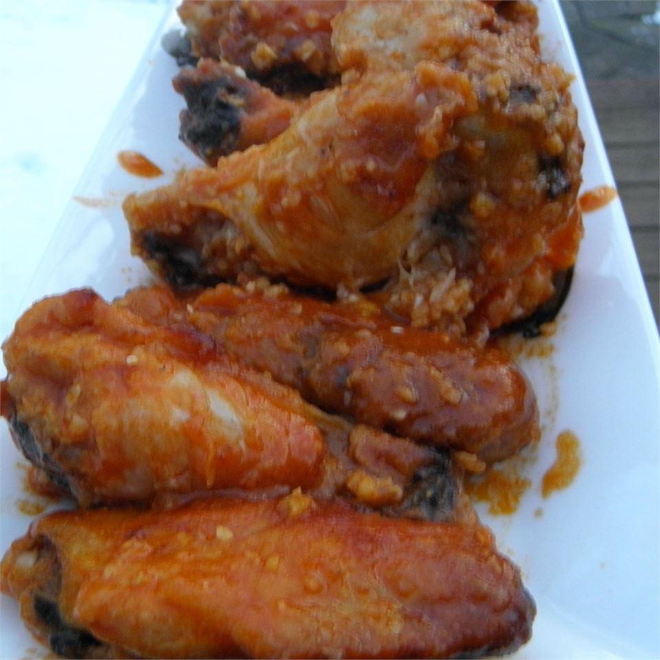 Healthier Restaurant-Style Buffalo Chicken Wings