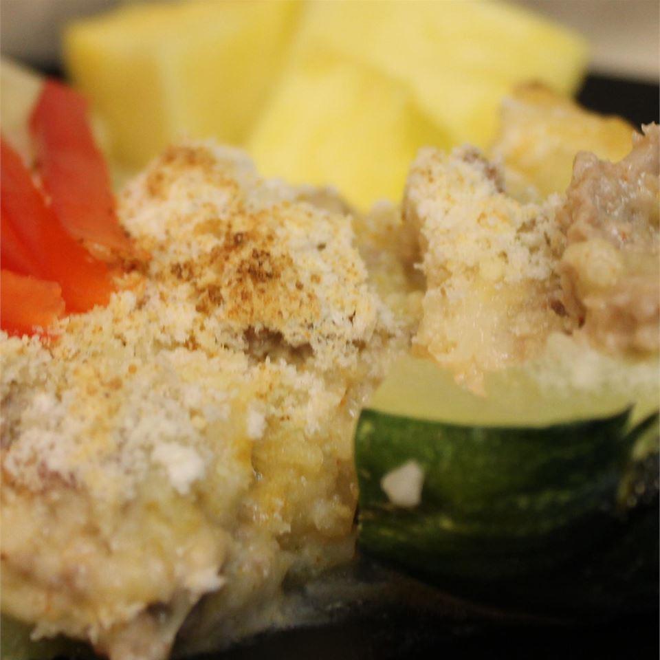 Creamy Meat-Stuffed Zucchini