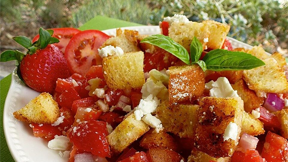 Italian Bread Salad With Strawberries And Tomatoes Recipe Allrecipes